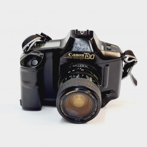 Canon T90  + Canon FD 28-70mm