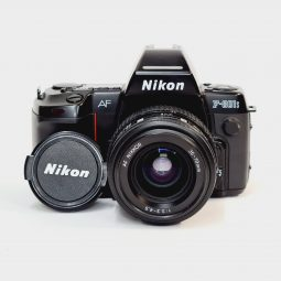 Nikon F-801s + Nikkor 35-70mm